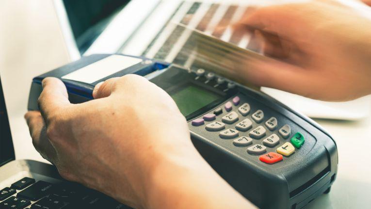 Die Zahlung per Kredit- und EC-Karten existiert bereits seit mehreren Jahrzehnten.