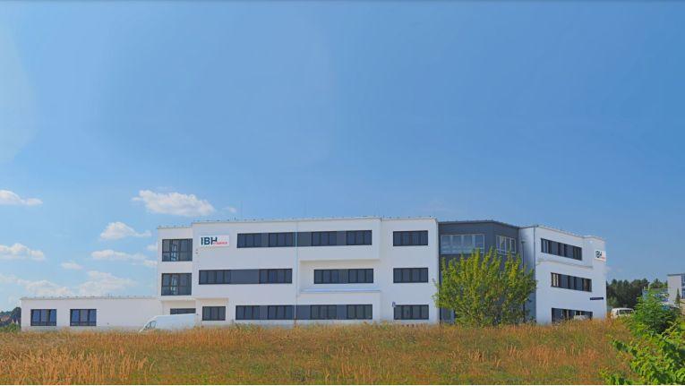 Im Dresdner Gewerbegebiet Coschütz-Gittersee ist das neue Firmengebäude der IBH IT Service GmbH samt Rechenzentrum entstanden.