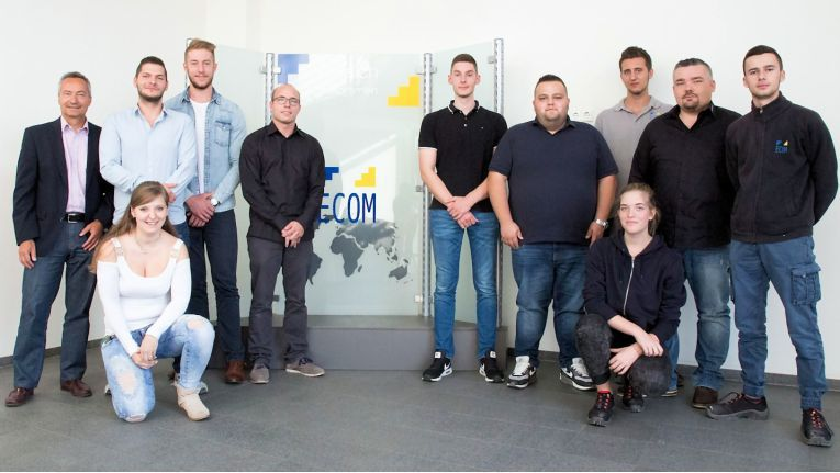 Diese engagierte Azubis starteten 2016 bei Ecom Trading ins Berufsleben. Der Großhändler setzt auf talentierten Nachwuchs, um das Niveau und die Qualitätsstandards des Unternehmens zu sichern.