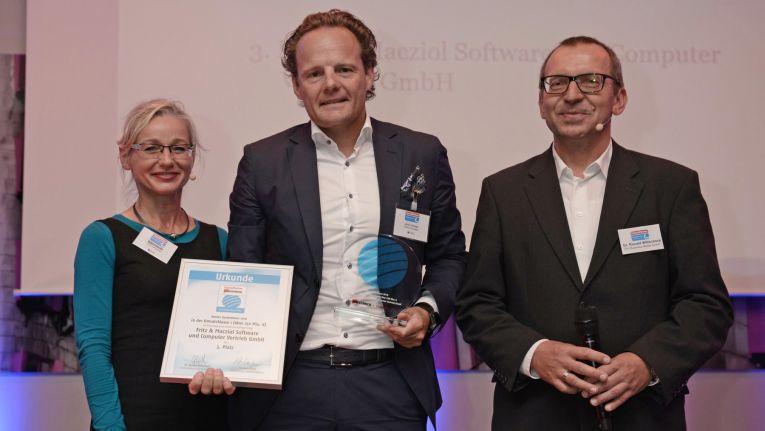 Fritz & Macziol ist im Kundenurteil das drittbeste Systemhaus unter den IT-Dienstleistern mit Jahresumsätzen über 250 Millionen Euro. In der Mitte: Marketingleiter Ulrich Hampe.