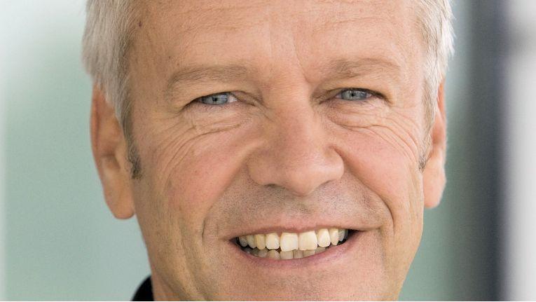 Henning Ohlsson, seit über 13 Jahren Geschäftsführer der Epson Deutschland GmbH, will als CSR-Direktor der Region EMEA und Russland die ambitionierten Ziele des japanischen Herstellers erlebbar machen.
