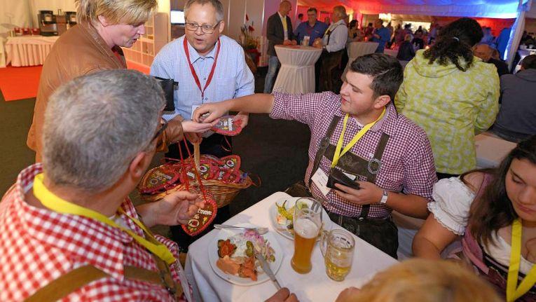 Veranstalter Michael Telecom AG ist stolz auf den bayrischen Oktoberfest-Abend und das exklusive Catering bei seiner diesjährigen Hausmesse.