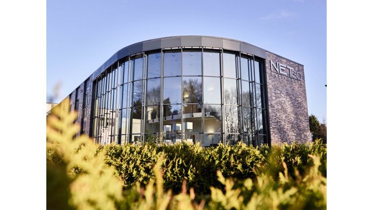 Dieses Gebäude im westfälischen Borken die Firmenzentrale der Netgo-Gruppe. Doch sie platzt aus allen Nähten. Der neue Netgo Campus ist schon fertig geplant - und soll 2018 bezogen werden.