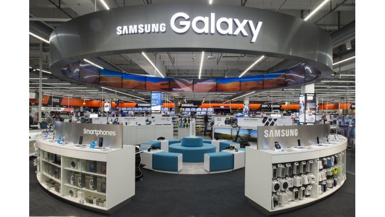 Europas erste Samsung Galaxy World ist auf einer 80 Quadratmeter großen Fläche in den Markt integriert