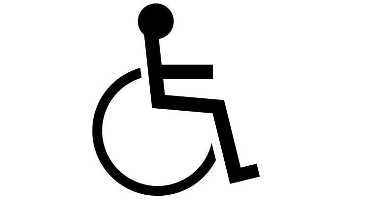 Eine unterlassene Beteiligung und Anhörung des Betriebsrates vor Ausspruch der Kündigung des Arbeitsverhältnisses mit einem schwerbehinderten Menschen macht die Kündigung unwirksam.