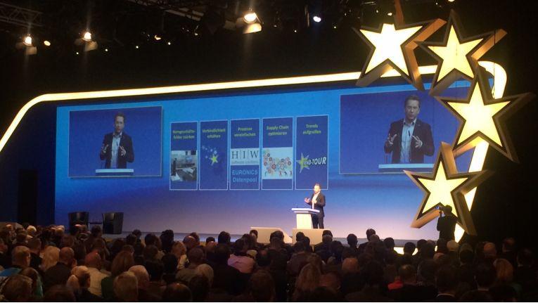 Beim Euronics Kongress in Leipzig suchte Verbundgruppen-Chef Benedict Kober nach neuen Impulsen nach dem Umsatzrückgang im Vorjahr.