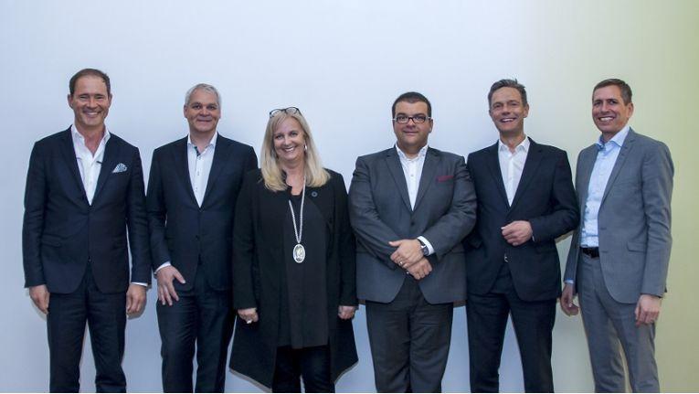 Auf dem DextraData-Modern.Work-Kick-off in Essen: Gregor Bieler, Microsoft; Jens Brauer, Polycom; Doris Albiez, Dell EMC; Shayan Faghfouri, DextraData; Alexander Zinn, Modern.Work und Jürgen Franken, Dell EMC (v.l.n.r.)