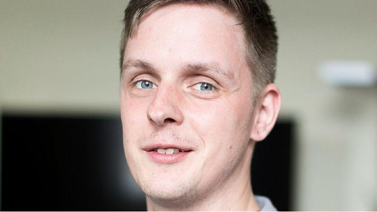 Felix Gaksch zog es aus der Düsseldorfer Gegend ins Münsterland, wo er sich als CCO im Management des E-Commerce-Dienstleisters Shopmacher um eine optimale Kundenberatungs- und Ausbaustrategie kümmert.