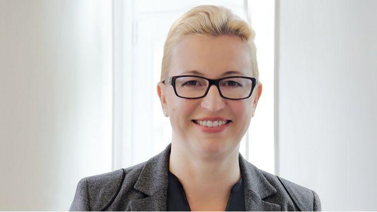 """Simone Klinghagen, Prokuristin und IT-Beauftragte bei der Spiekermann & CO AG: """"""""Ein wesentliches Argument für das Hosting unserer Systeme ist der professionelle Support durch einen erfahrenen Dienstleister."""""""