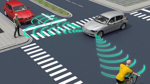 Ein selbstfahrendes Auto lernt durch Beobachtung von alltäglichen Szenarien im Straßenverkehr.