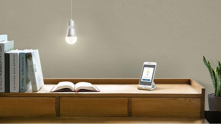 """Amazon Sprachkontrolle mit der kostenfreien TP-Link-App """"Kasa"""" verbinden - schon kann es losgehen mit der Lichtsteuerung via Sprache."""