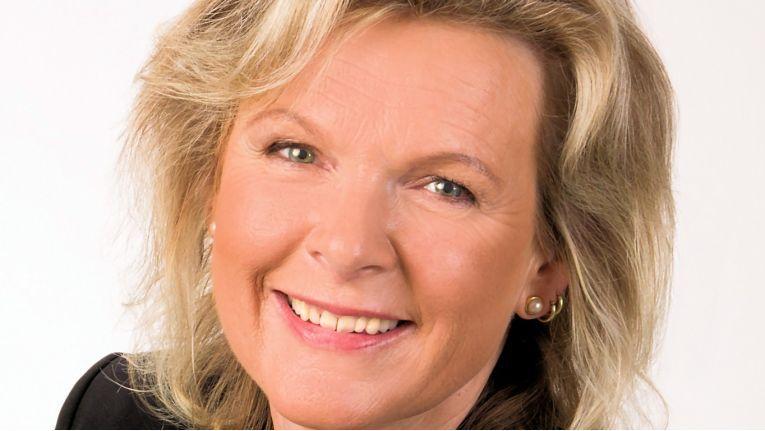"""Anke Höfer, Vorstandsvorsitzende der Conet Technologies AG: """"Gemeinsam freuen wir uns darauf, als mittelständische Herausforderer den IT-Beratungs- und Systemhausmarkt zukünftig noch stärker als bislang aktiv mitzugestalten."""""""