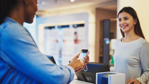 Digitales Bezahlen sollte mit jedem gewünschten Device machbar sein, so die Erwartung der Kunden.