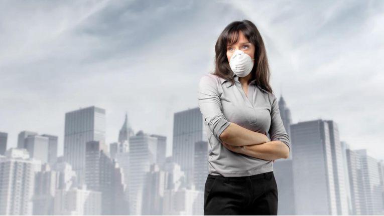 Schlechte Atemluft verursacht auch am Arbeitsplatz Kopfschmerzen, Müdigkeit und andere Belastungen.