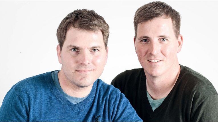 Die Brüder Ralf (li.) und Christoph Dyllick-Brenzinger sind nicht nur die Geschäftsführer von Datamate, sondern auch die Chefs des Hotline-Anbieters Ionas.