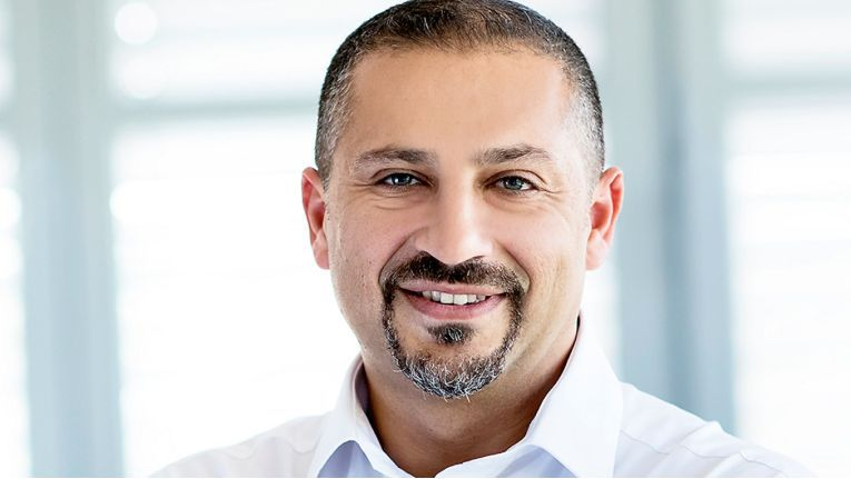 Ecevit Güneser, Leiter des Produktmanagements bei Tarox, freut sich über die erweiterte Zusammenarbeit.