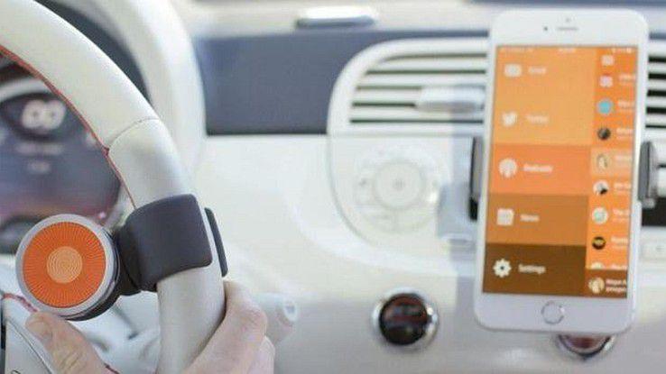 Fernbedienung für das iPhone im Auto.