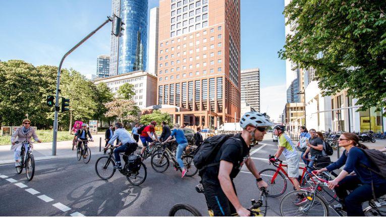 In Gegenrichtung Fahrrad fahren kann teuer werden.