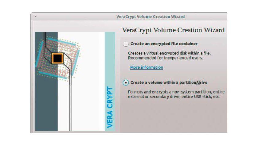 Veracrypt unterscheidet sich in der Bedienung kaum von Truecrypt. Der bekannte Assistent hilft bei der Erstellung neuer verschlüsselter Container.