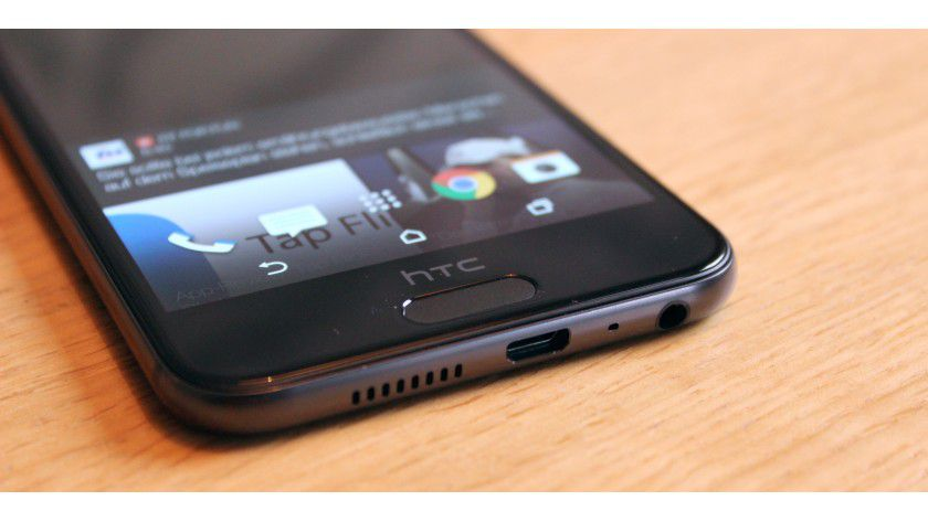 Der sensitive Home-Button dient gleichzeitig als Fingerprint-Sensor. Der Vorteil: Sie müssen ihn nicht drücken, einfach den Finger draufhalten und das Smartphone entsperrt fix.