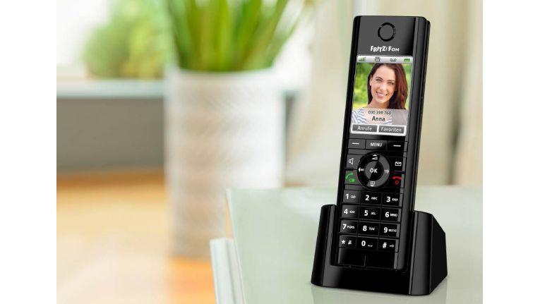 Fritz Phone C5 hat mehrere Anrufbeantworter und Telefonbücher integriert.