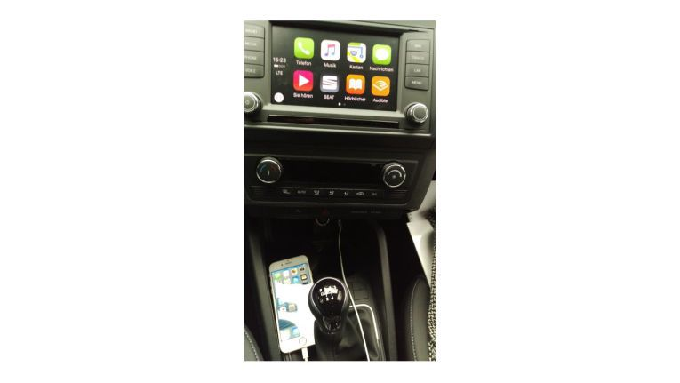 So wird das iPhone im Seat angeschlossen.