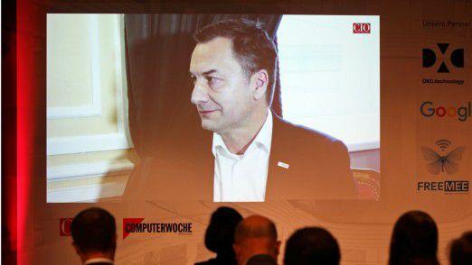 Elmar Pritsch, CIO der Robert Bosch GmbH, konnte leider nicht vor Ort sein. Dafür wurde ein Video-Interview mit ihm eingespielt.