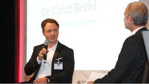 Ulrich Reidel, CIO der Südleasing, diskutiert die Blockchain.