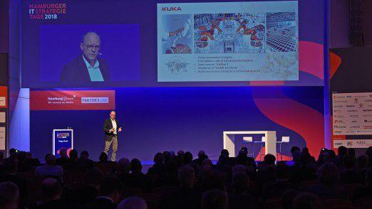 Holger Ewald auf der großen Bühne der Hamburger IT-Strategietage.