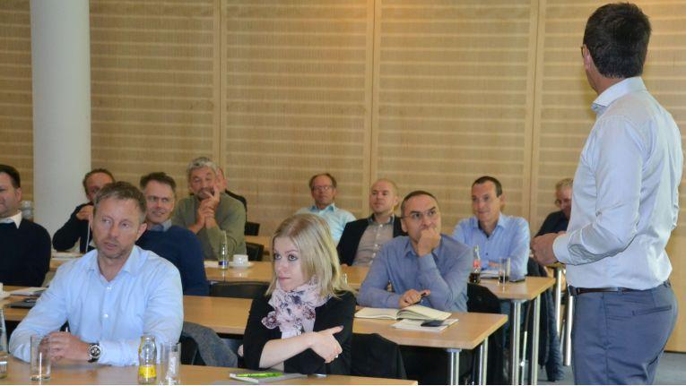 Fast 20 Systemhaus-Mitarbeiter nahmen am ersten Verkaufstraining von ChannelPartner teil.