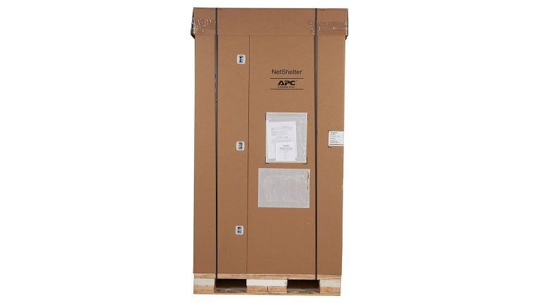 Geschützter Transport und schnellerer Einsatz von Rack und IT-Komponenten durch Shock Packaging von Schneider Electric.
