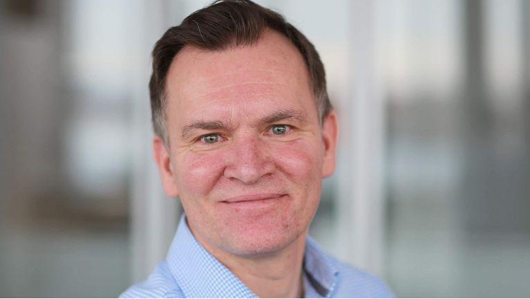 Die weltweiten Vertriebsaktivitäten bei Abas werden seit 2018 von Marc Hirtz verantwortet, der dafür seine Expertise aus Business Development und Führung direkter und indirekter Vertriebsorganisationen nützt.