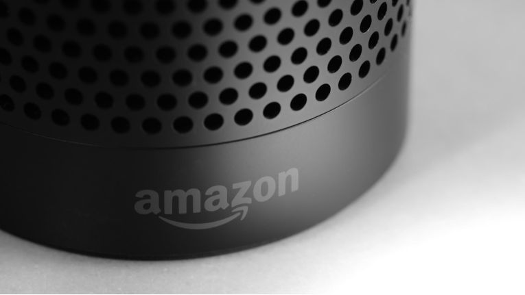Amazons Alexa lacht nicht nur auf Anfrage.