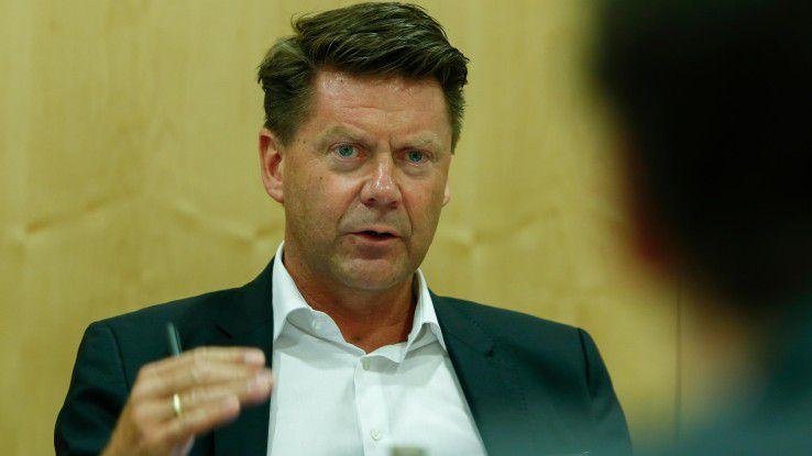 Martin Böker, Director B2B bei Samsung, fordert vor allem Schnittstellen-Standards für die sichere Kommunikation zwischen den vernetzten Geräten.
