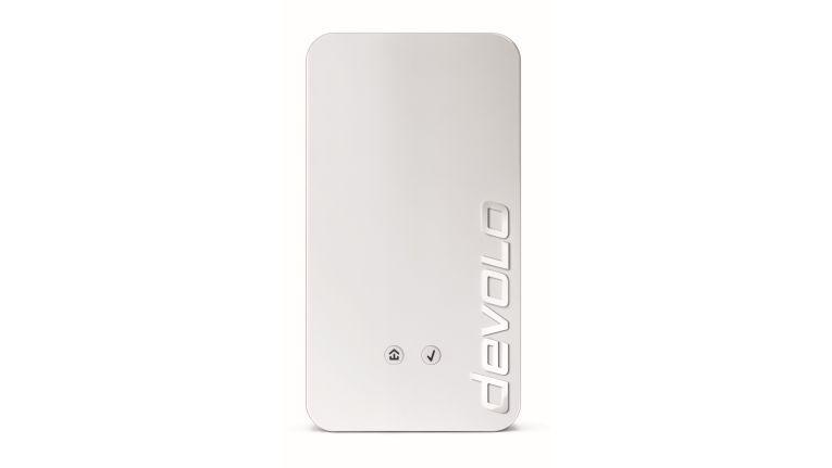 Devolo Home Central wird mit einer Steckdose verbunden und anschließend über den Internetrouter mit dem Internet.