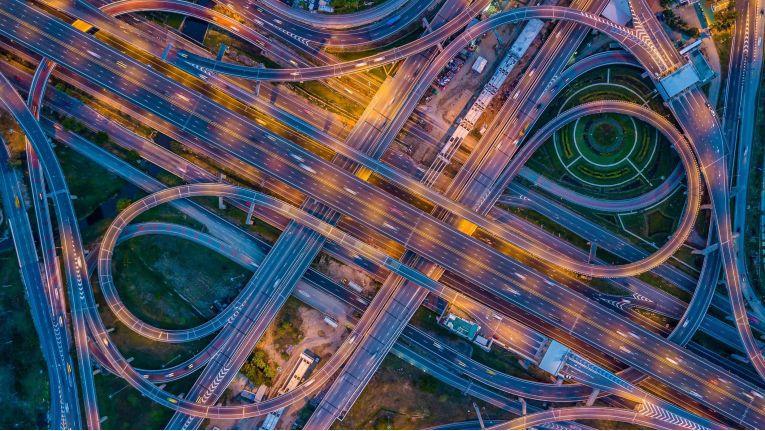 Datenschutz ist Sache des Herstellers, sagen potenzielle Nutzer von Connected Car Services.