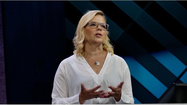 """""""Azure Stack ist die einzige konsistente Hybrid-Cloud-Plattform"""", wirbt Microsoft-Managerin Natalia Mackevicius."""