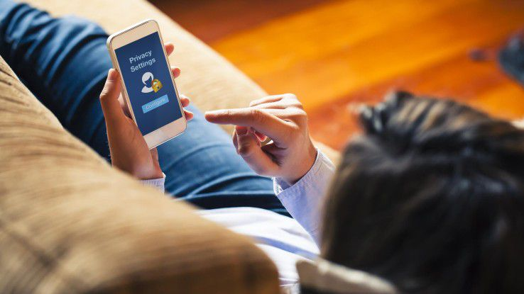 Auch wenn die Security-Einstellungen auf dem Smartphone optimal sind. Vor dem Download einer Shopping App lohnt es sich das Angebot genauer zu untersuchen.