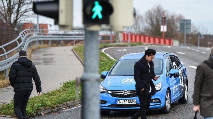 Digitale Transformation im Automobilsektor: Aus Zulieferern von Fahrzeugkomponenten werden Mobilitätsdienstleister.