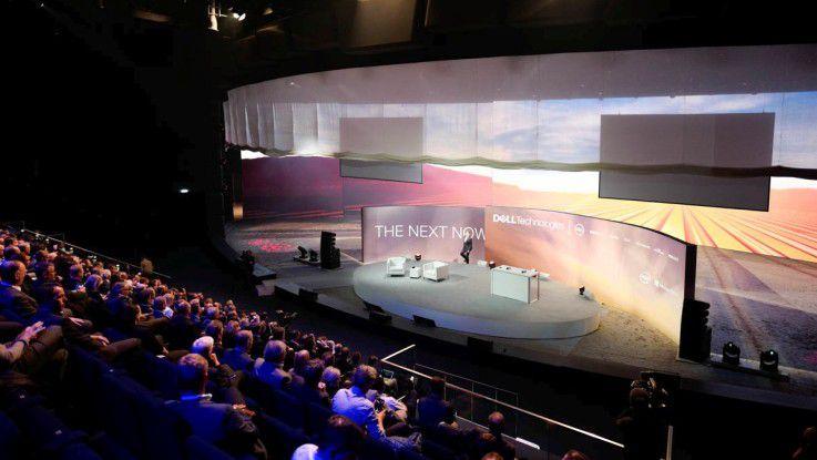The Next Now 2018 startet und der Showpalast München ist gut gefüllt.