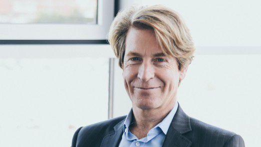 """Tim Böger: """"Die Entwicklung in den letzten Jahren zeigt eine Verlagerung der Einkommenszusammensetzung hin zu mehr fixer und weniger variabler Vergütung."""""""