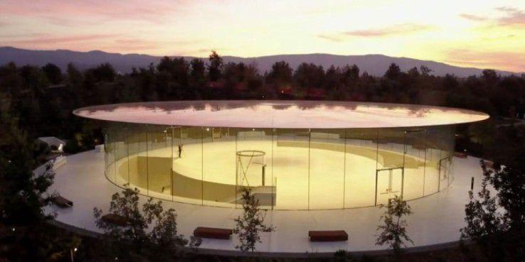 Die offene Architektur des neuen Apple-Haupquartiers scheint auf manche Mitarbeiter anregend zu wirken.