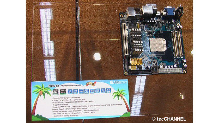 Sparsystem: Das KI690-S1 arbeitet mit einem Chipsatz aus dem Mobile-Bereich und einer Notebook-CPU. Zusammen mit dem Mini-ITX-Formfaktor eignet sich das Mainboard besonders für den Bau kleiner stromsparender Systeme.