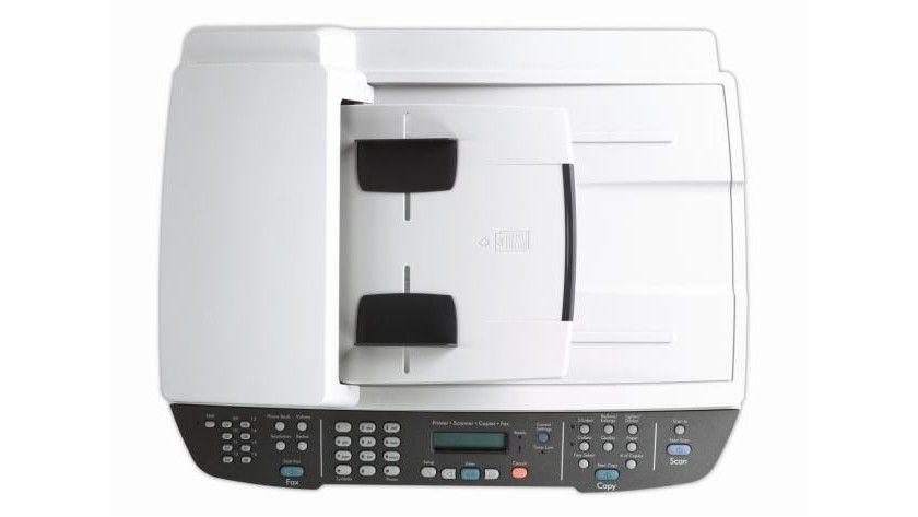HP LaserJet M2727: Die automatische Scanzufuhr der Kopiereinheit nimmt bis zu 50 Blatt auf. (Quelle: Hewlett-Packard)