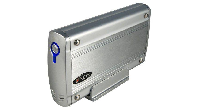 Do-it-yourself NAS: Lindy NAS LAN-Disk für eine IDE- oder SATA-Festplatte.
