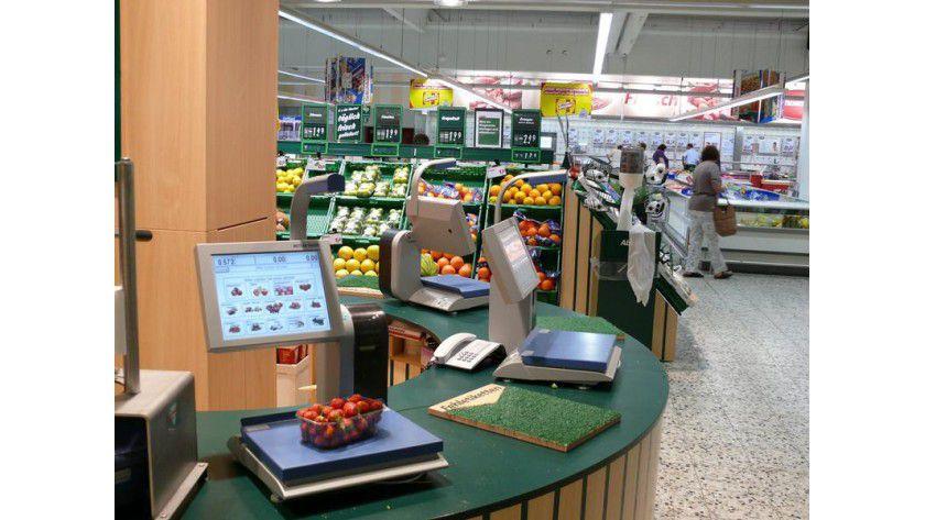 Die intelligente Selbstbedienungswaage erkennt selbstständig, um welches Obst oder Gemüse es sich handelt. Foto: Fraunhofer IITB