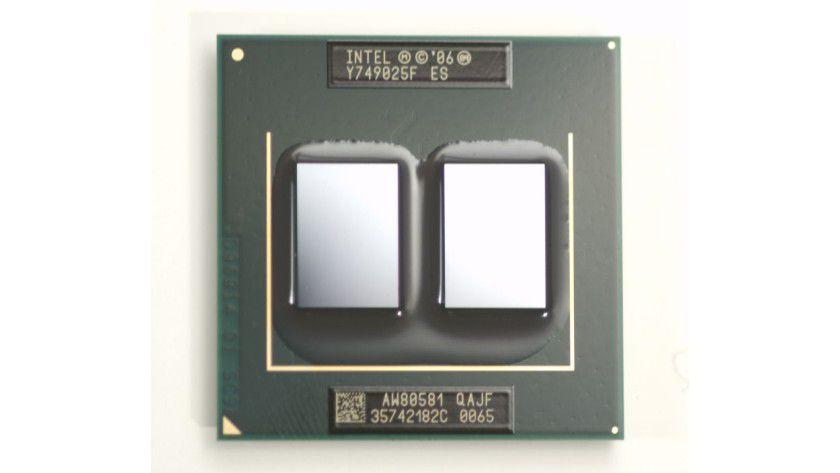 Mobiler Quad-Core: Intels Core 2 Extreme QX9300 setzt sich aus zwei Dual-Core-Dies zusammen. Insgesamt verfügt der 2,53-GHz-Prozessor über 12 MByte L2-Cache. (Quelle: Intel)