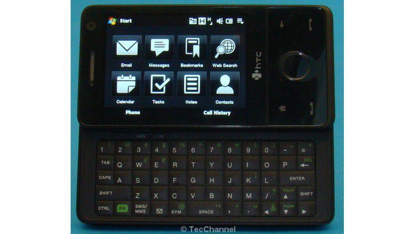 Ausgezogen: Das größte Unterscheidungsmerkmal zu den anderen HTC Touch Smartphones ist die ausziehbare Tastatur.