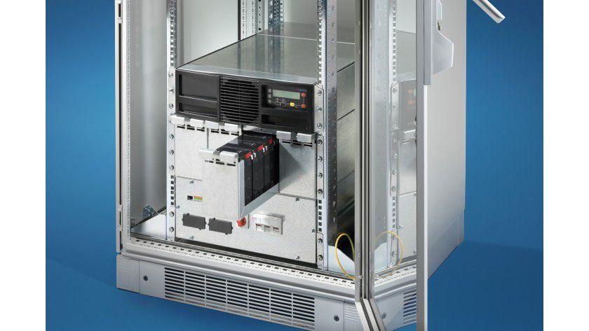 Modular und kompakt: Die USV PMC 40 von Rittal schützt Serverschränke vor Stromproblemen.