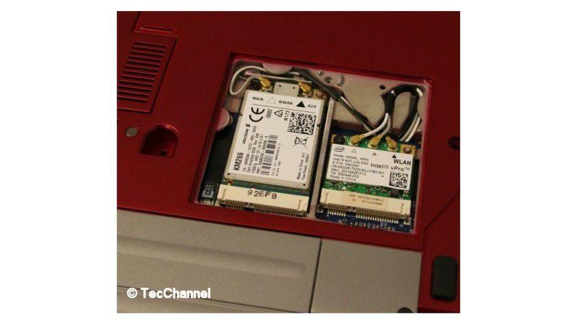 Funker an Bord: Neben Intels WLAN-Modul sitzt das UMTS-HSDPA-Modem.